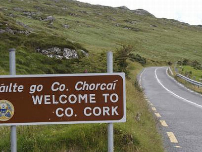 Welcome-to-County-Cork.-Sign.